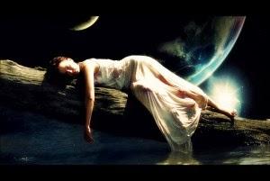 Flickr-Lucid-Moon-akshay-moon-300x201